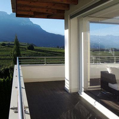 Cerramientos de plástico enrollables: disfruta de tu terraza o balcón todo el año
