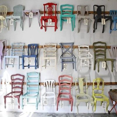 chalk paint sillas de colores