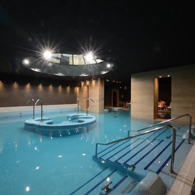Proyecto realizado por Decomosaico, revestimiento con mosaico de las zonas de agua y spa del hotel balnearo Burgo de Osma, 2011