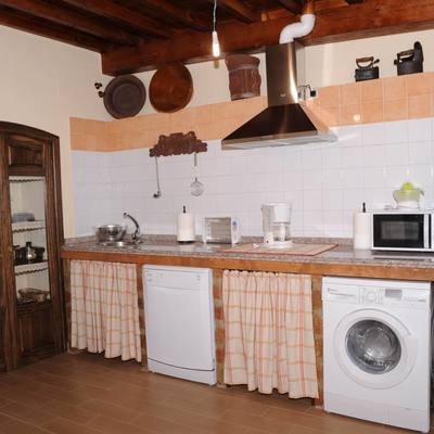 Ideas y fotos de muebles cocina con cortinas para for Cocinas con muebles