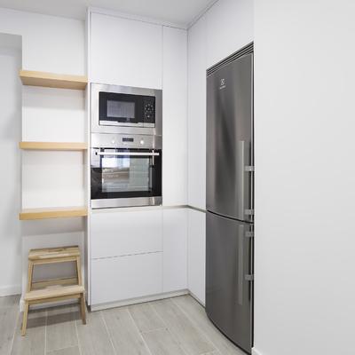 La reforma integral de un piso que revivió gracias al gris
