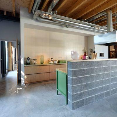 Un antiguo almacén transformado en una acogedora y moderna vivienda