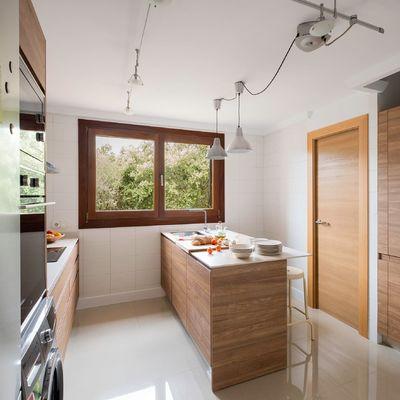 Qué puedes hacer para incluir una barra en tu cocina