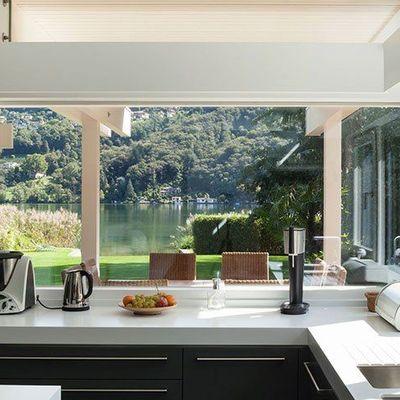 Cocinas abiertas al exterior: una conexión con el entorno