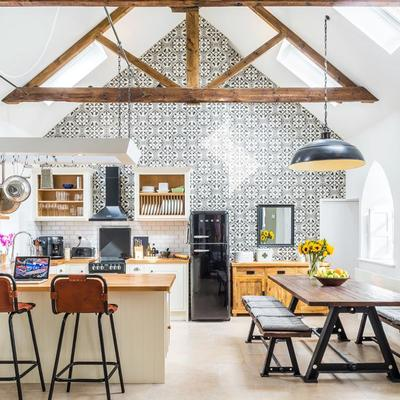 Cómo renovar una casa antigua en 8 claves