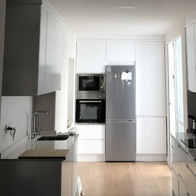 Reforma integral de vivienda: instalación eléctrica, fontanería y calefacción.