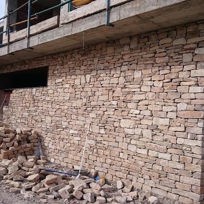 Col·locació constructiva de la pedra seca