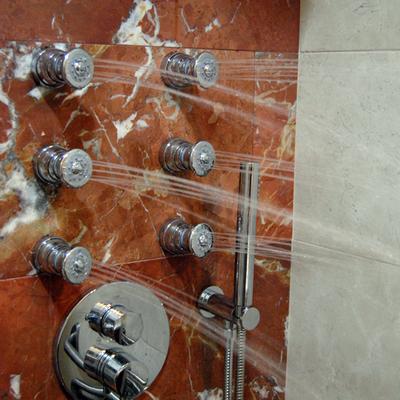 ducha accesible a ras del suelo