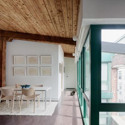Reciclar y reconventir: un hogar en un antiguo molino