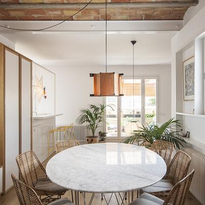 La importancia del detalle: una casa donde el mobiliario define el espacio