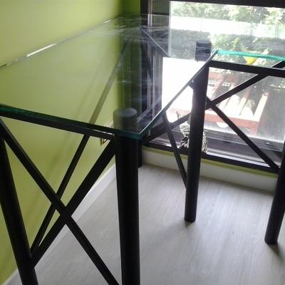 mesa de hierro con cristal a medida madrid