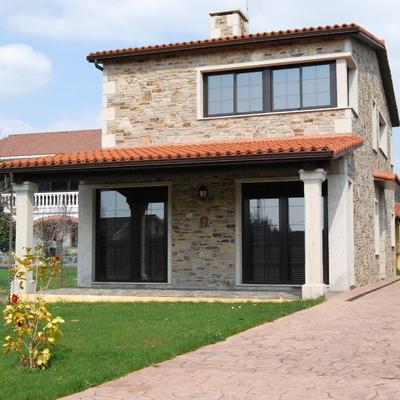 Construcción de casa rúsitca en Ares
