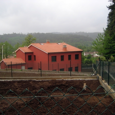 Construccion De Dos Viviendas Unifamiliares Adosadas