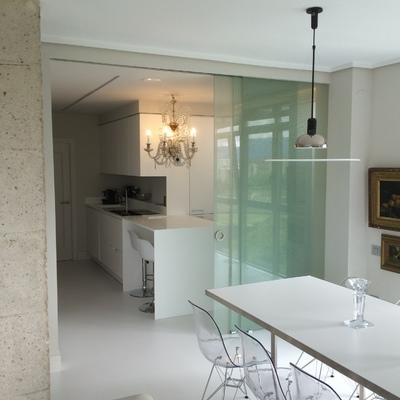 Instalación de puertas correderas y espejos