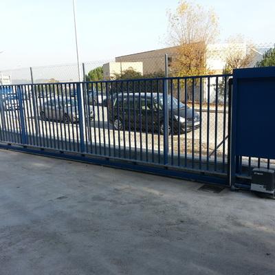 Instalación de automatismo puerta corredera, Barcelona