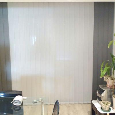 Cortina vertical con tejido metal screen con combinación de colores y estores enrollable decorativos con tejido Fiume