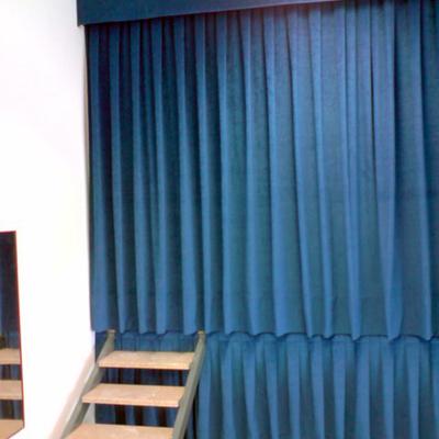 Cortinas para dormitorio en barra de acero inox doble quotes - Cortinas para escenarios ...