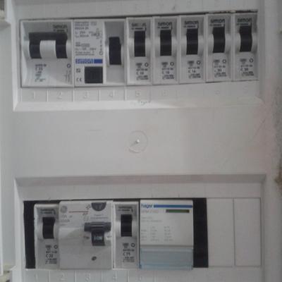 Cambiar el cuadro general mando y protección electrico de una vivienda  unifamiliar