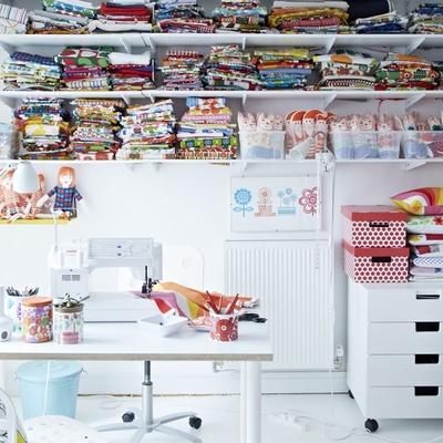 cuarto de trabajo con almacenaje de Ikea