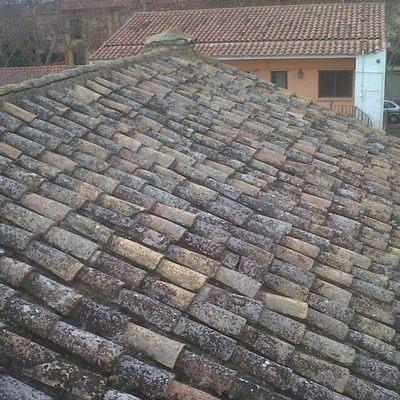 Proyecto de rehabilitación de cubierta en vivienda catalogada en La Cartuja Baja (Zaragoza)