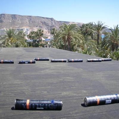 Impermeabilización de cubierta en Hotel Aguadulce y fraguado de piscina en Roquetas de Mar