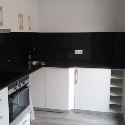 Reforma interior d'uns habitatges per llogar o vendre, Barcelona