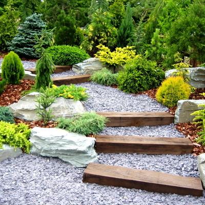 Descubre cómo diseñar jardines con desniveles