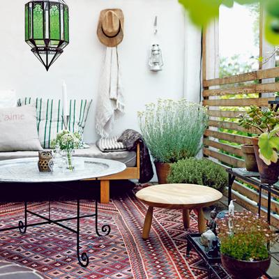 Desempolva tu vieja alfombra marroquí y dale una nueva vida en tu terraza