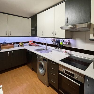 ¡Renovación mobiliario y encimera cocina en 12 horas!
