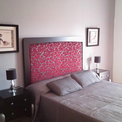 Muebles y decoración para un dormitorio y un  salón-comedor