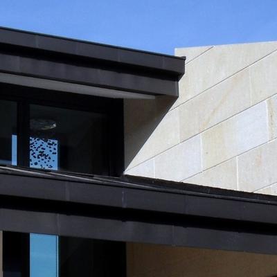 Detalle de la cubierta de uno de los porches.