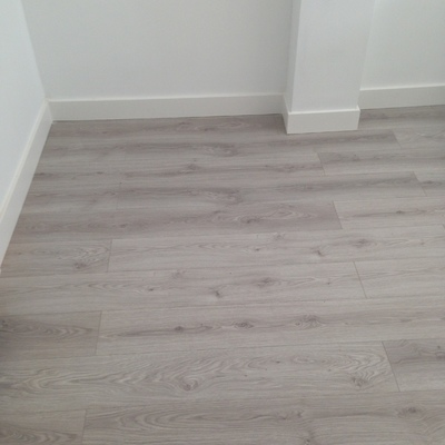 Cambio de suelo y puerta en txoko