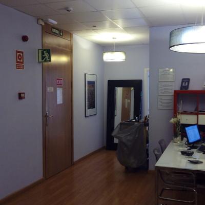 Sistema de detección y aviso de incendio en hotel