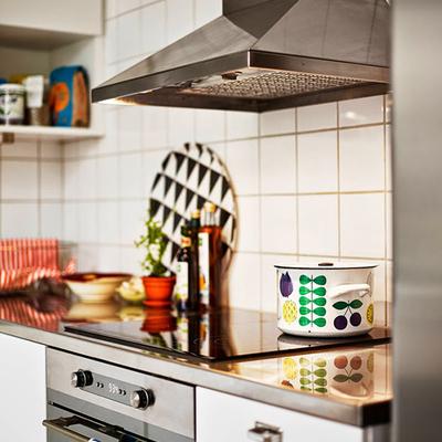 Un pequeño apartamento divertido y con toques de color