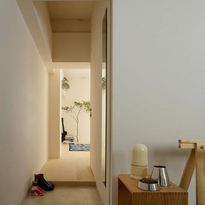Sencillez, pureza y tradición en un apartamento de estilo japonés