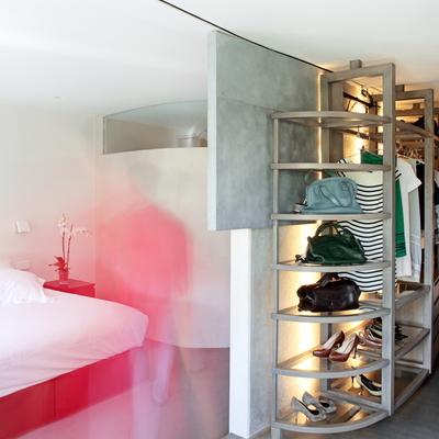 Dormitorio abierto al baño