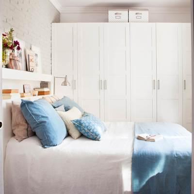 dormitorio con armario exento y cabecero de pladur