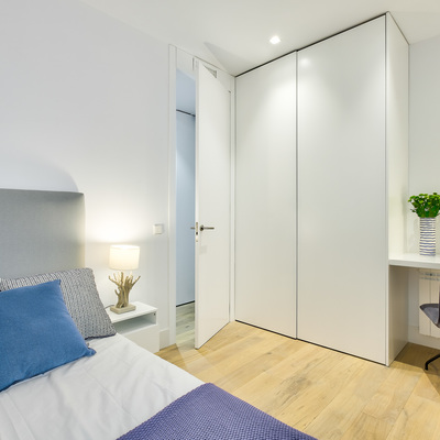 El radical antes y después de una vivienda abierta y elegante