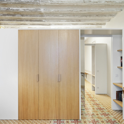 Dormitorio con armarios a medida