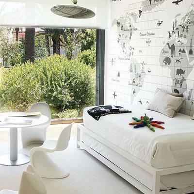 Dormitorio infantil con gran ventanal