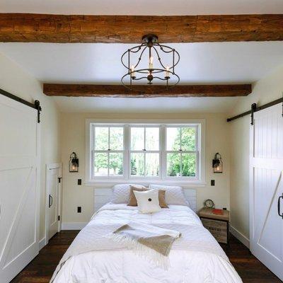 Ideas y fotos de puertas correderas madera para inspirarte - Como colocar vigas de madera ...
