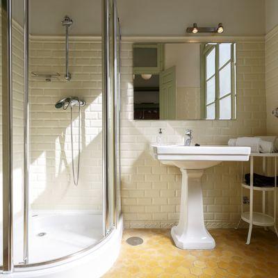 Cómo elegir la mampara de ducha que mejor te encaje