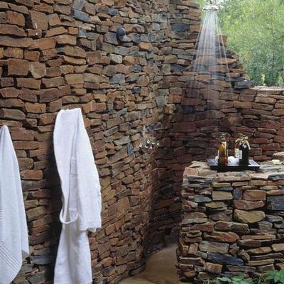 Construye una ducha en tu jardín o terraza