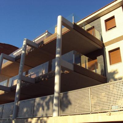 Proyectos y direcciones de edificios residenciales colectivos