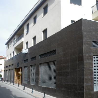 Construcción De Edificio Plurifamiliar De Viviendas Y Locales
