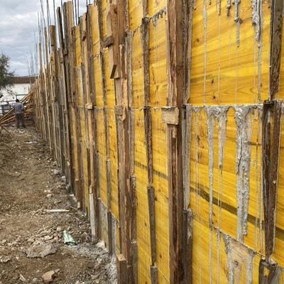 Muro de hormigón ampliación de fachada y piscina
