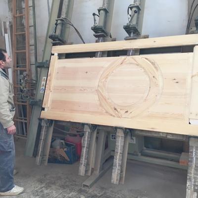 Fabricación de puerta de entrada a medida