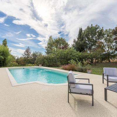 Entornos de piscinas y terrazas