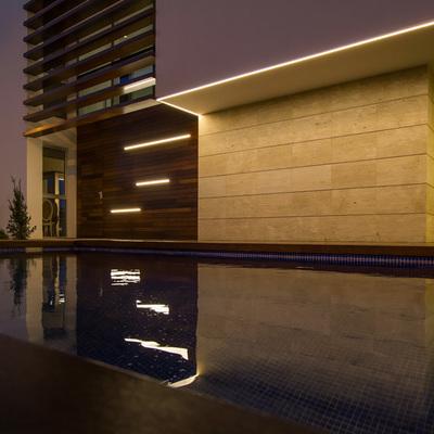 Entrada iluminado-vivienda-unifamiliar-lledo (2)
