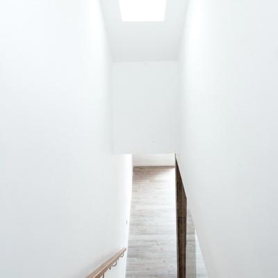 Escalera estrecha